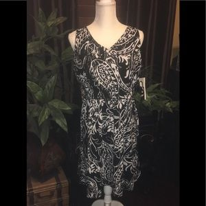 NWT - Peter Nygard Black/White Floral Dress -Sz M